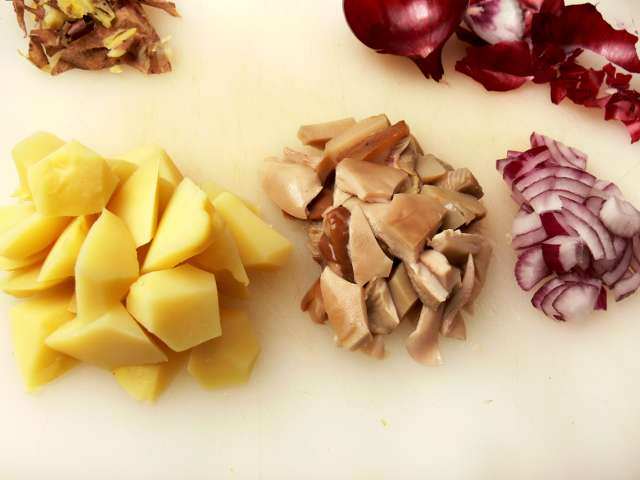 Skābētu sēņu un kartupeļu salāti